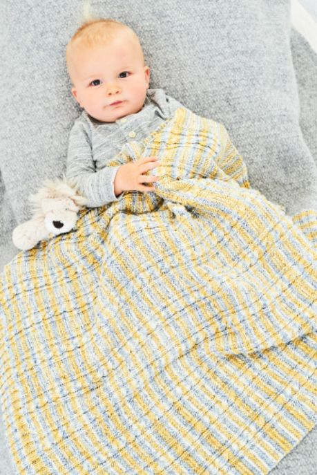 9748 Stylecraft DK Baby Set